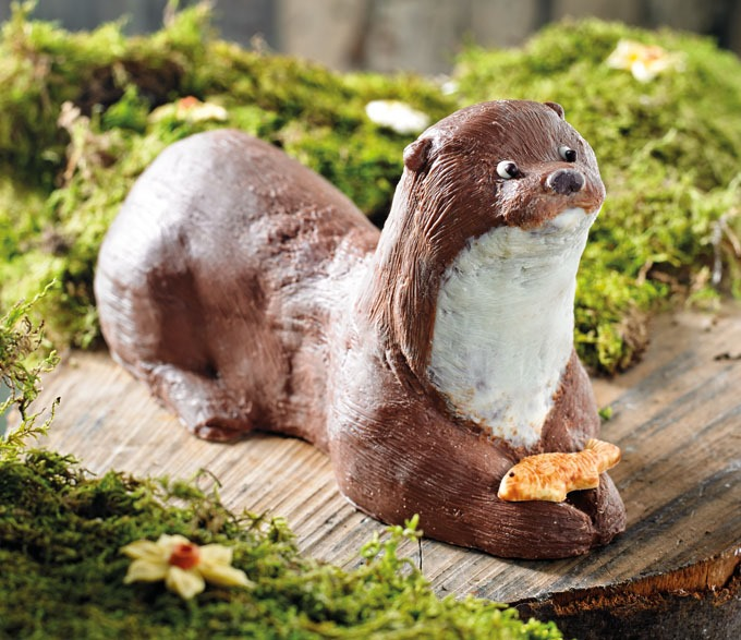 bettys milk chocolate otter 680