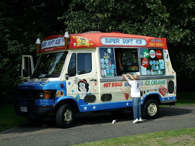 IceCreamVan-Creative-Commons-attribu