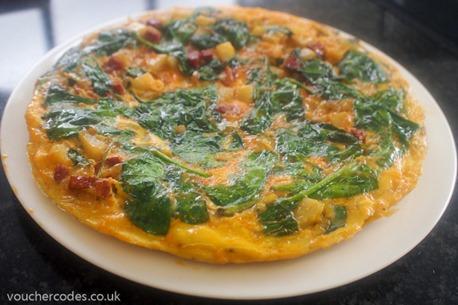 Chorizo-Spinach-Onion-Potato-Frittata-KFavelle-KaveyEats-VouchercodesUK-2