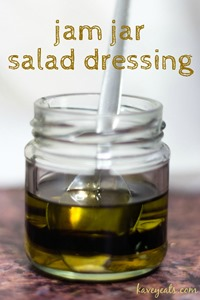 Jam-Jar-Salad-Dressing-KaveyEats-KFavelle-fulltext