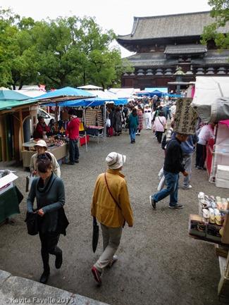 Toji-Temple-Market-Kyoto-Japan-(c)KavitaFavelle-2362