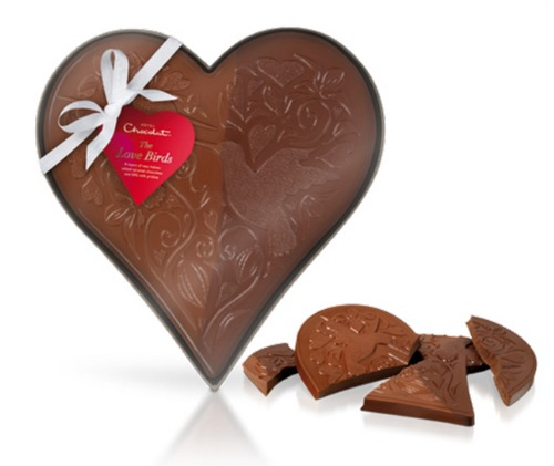 310303_Valentines 2015_Large solid heart_in box with ribbon_flat-2