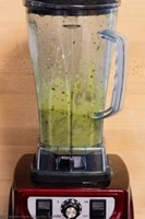 3-Ingredient-Smoothie-Banana-Matcha-[8]