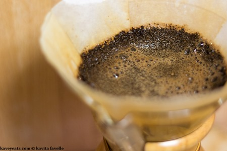 Making Pourover Coffee in a Chemex Coffeemaker - Kavey Eats - © Kavita Favelle-9076
