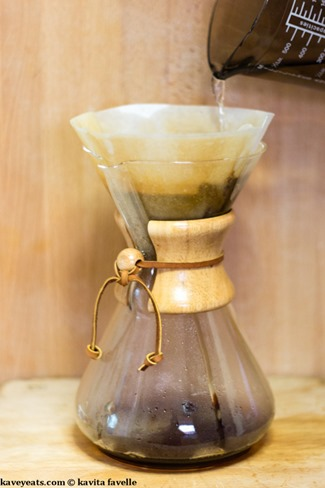 Making Pourover Coffee in a Chemex Coffeemaker - Kavey Eats - © Kavita Favelle-9079