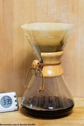 Making Pourover Coffee in a Chemex Coffeemaker - Kavey Eats - © Kavita Favelle-9088