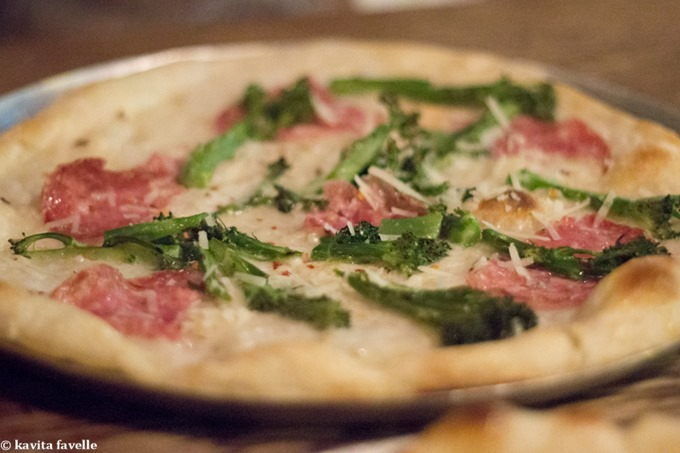 Pizza at The Three Johns Pub in Angel London on Kavey Eats © Kavita Favelle-7659