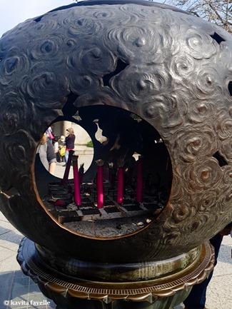 Visiting Daibutsu (Giant Buddha) at Kamakura in Japan. On Kavey Eats-002