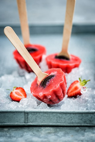 Strawberry_oreo_lollies_