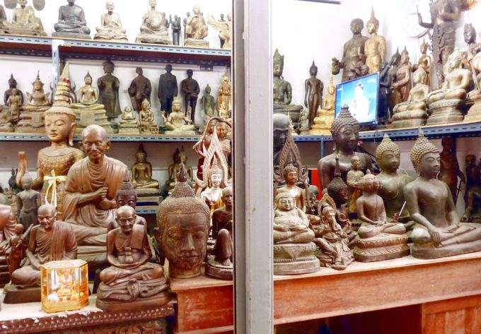 Buddha statues - The best souvenirs to buy in Thailand
