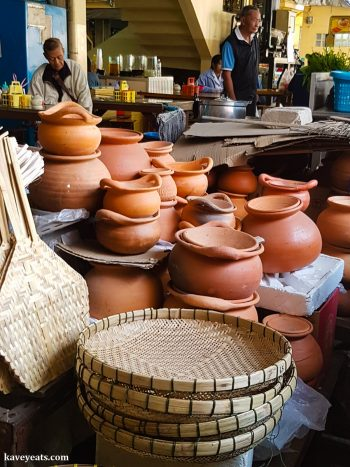 Cooking pots in Ayutthaya Market - The best souvenirs to buy in Thailand