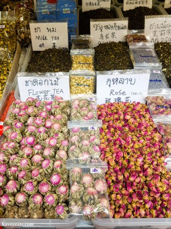 Tea stall in Thai food market - The best souvenirs to buy in Thailand