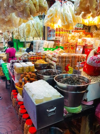 Snacks - The best souvenirs to buy in Thailand