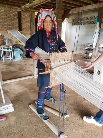 Akha Hill Tribe weaving demonstration - The best souvenirs to buy in Thailand