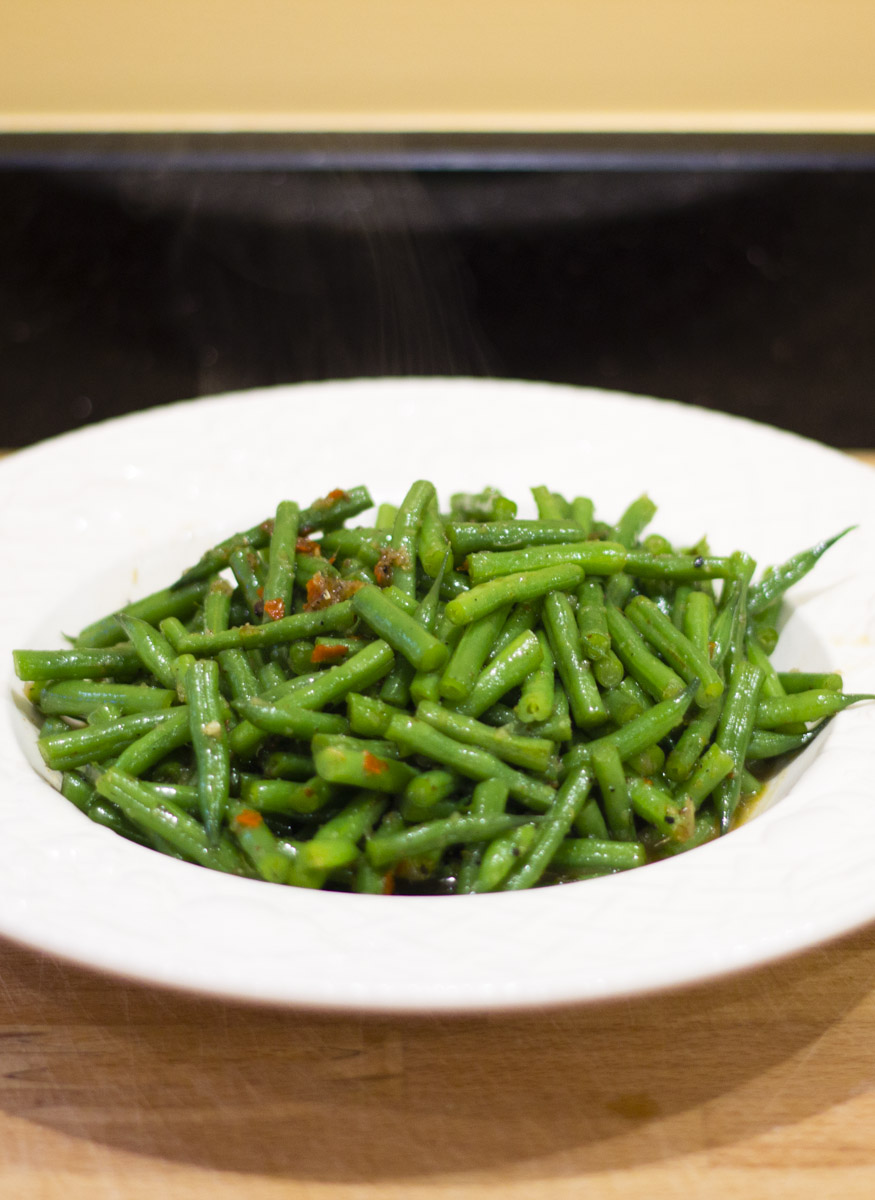 Recipe for Spicy Green Beans (Pad Ped Tou Kag) from Easy Thai Cookbook