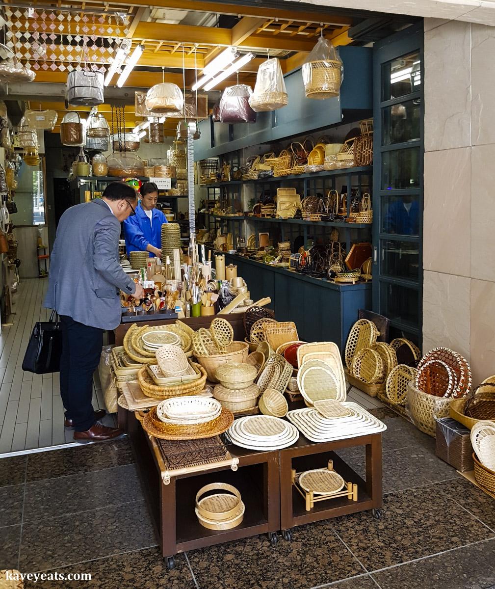 Kitchenware Shopping in Kappabashi Dori, Tokyo