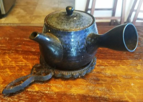Japanese Teapot (Best Souvenirs from Japan)