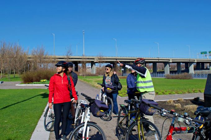 Cycling tour group in Quebec