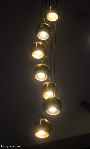 Hanging ceilling lights in restaurant