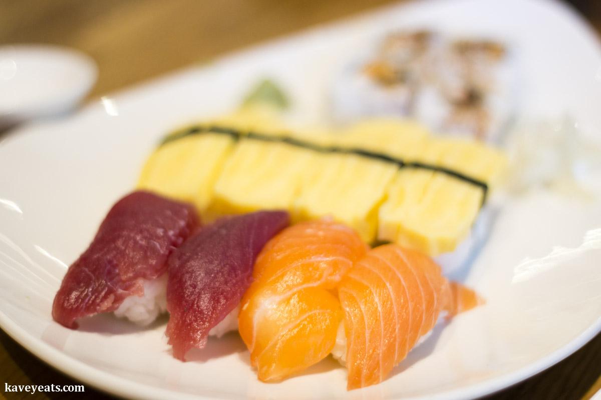 Sushi platter (Japanese food)