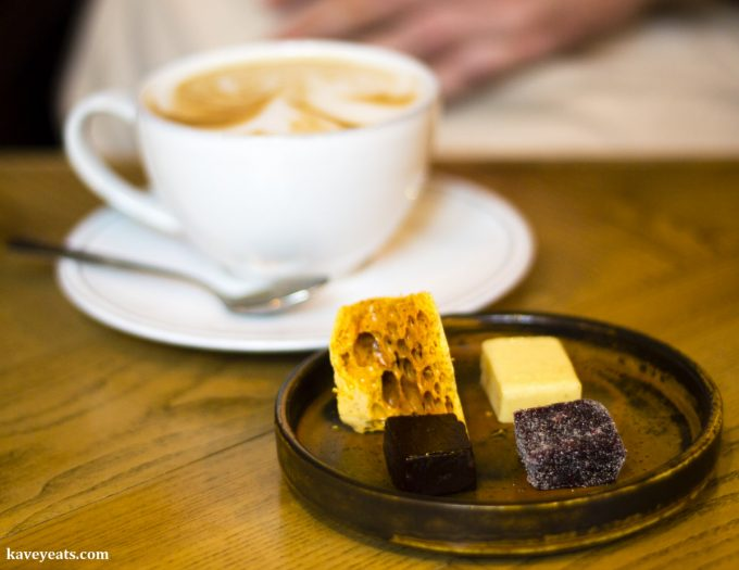 Coffee with Spanish petit fours