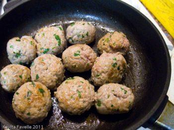 Lamb Kifta Tagine With Eggs
